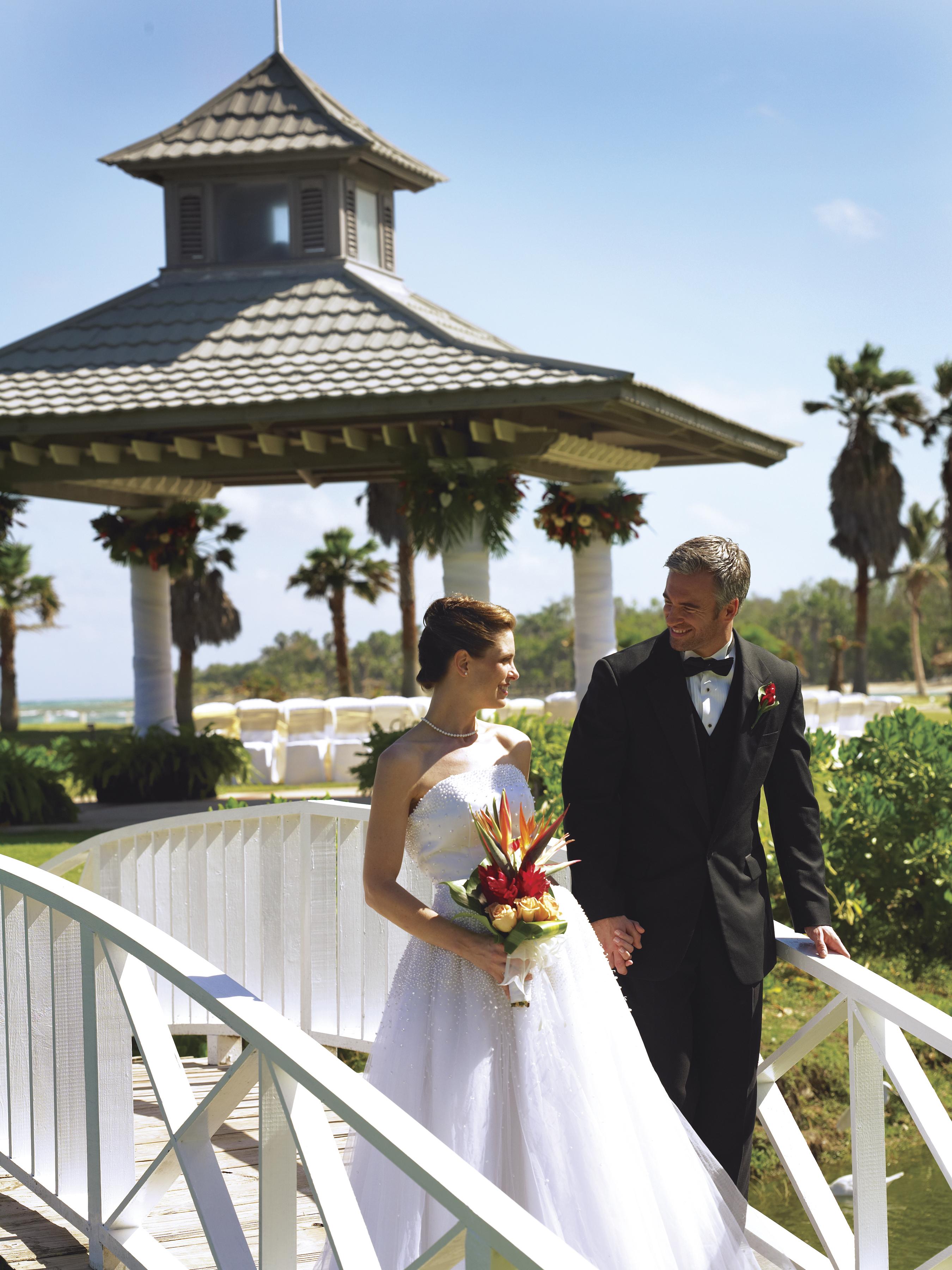 Wedding_Bridge halfmoon