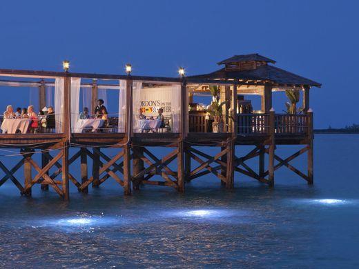 635954746458822178-Bahamas-Sandals-Royal-Bahamian-Gordon-s-Pier-credit-Sandals-Resorts