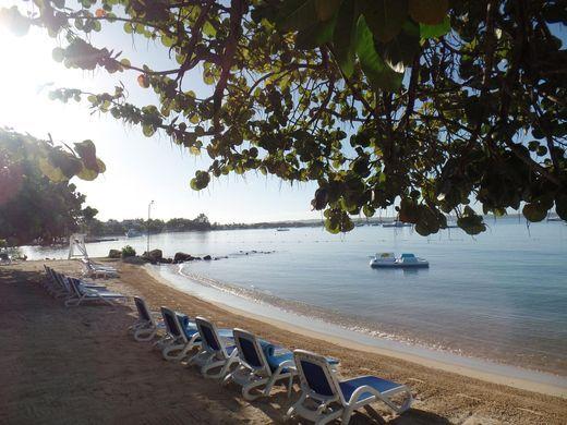 635954746492050391-Jamaica-beach-at-Hedonism-credit-Hedonism-Resorts