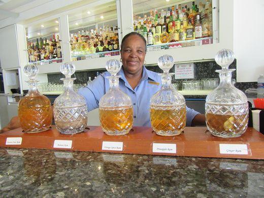 635998104338995677-Lobby-bar-wih-fruit-infused-rums-credit-Melanie-Reffes