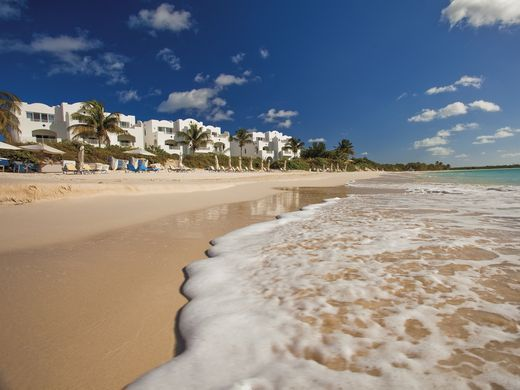 635998568133428604-Beach-in-the-morning-credit-CuisinArt-Golf-Resort-Spa