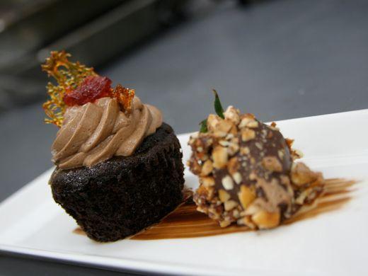 635816504561119618-St-Lucia-JadeMountain-chocolate-treats-on-white-plates-credit-Jade-Mountain