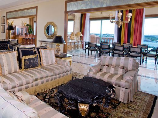 636246642570633616-Royal-Towers-Bridge-Suite-is-the-most-expensive-credit-Atlantis-Paradise-Island