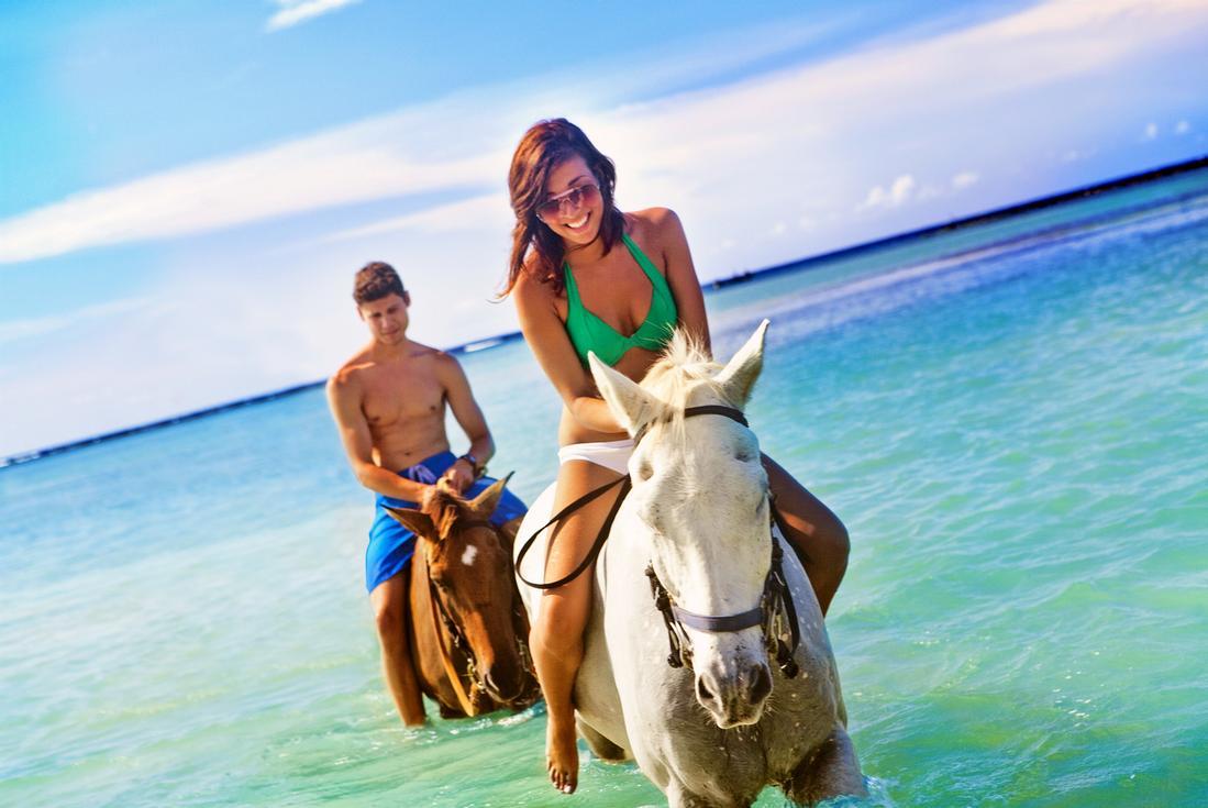 Jamaica horseback riding. Photo Credit Island Routes.