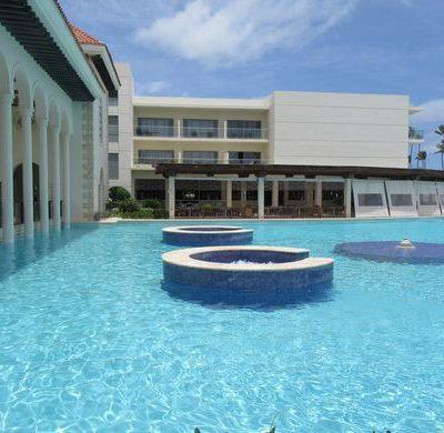 Paradise in Punta Cana : Tie the Knot at the Paradisus Palma Real