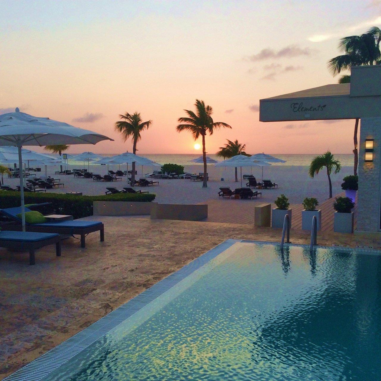Beach Resort: In Love With Aruba: One Happy Island